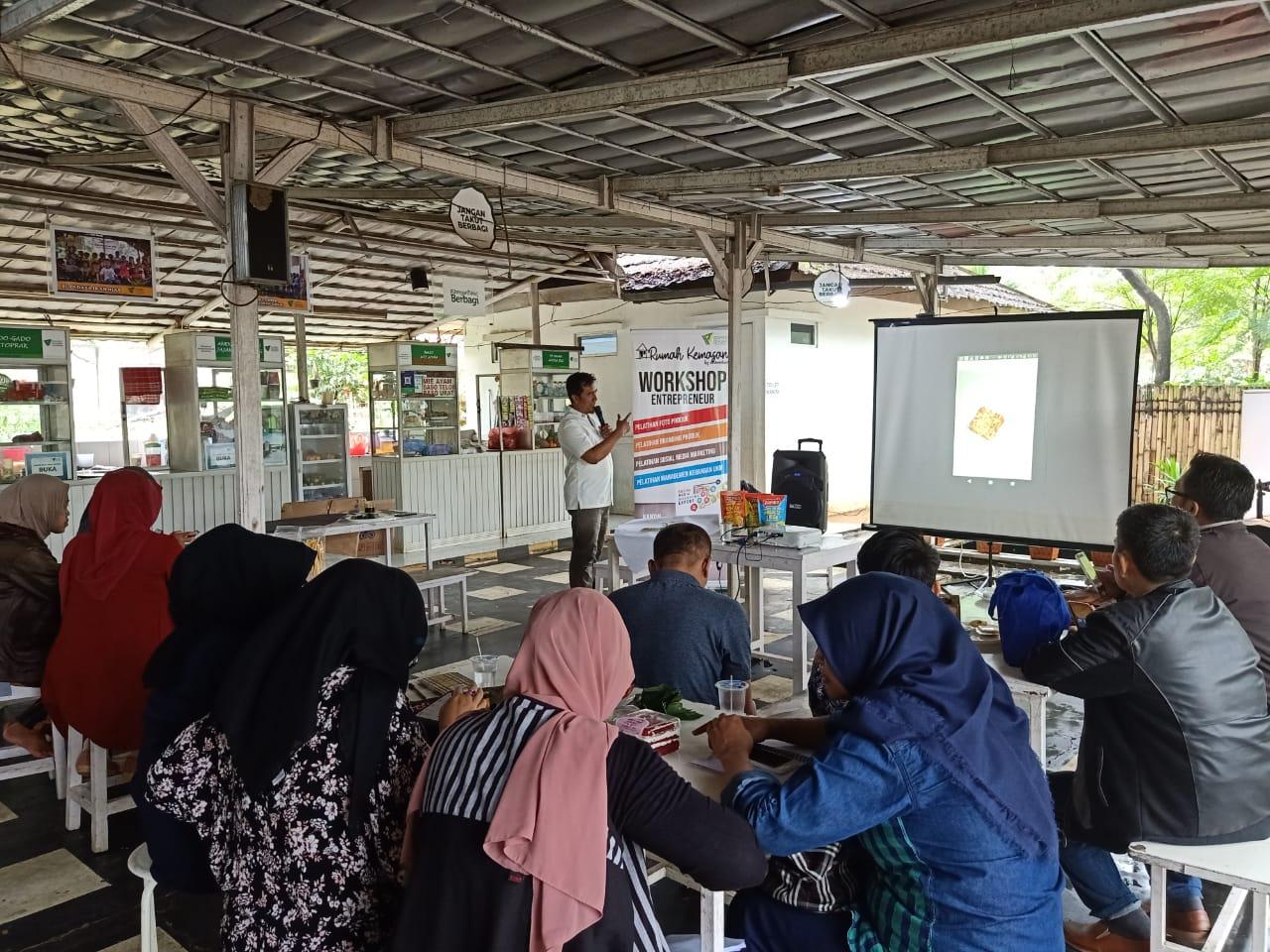 Tingkatkan-Pemasaran-Pelaku-UKM,-Zona-Madina-Gelar-Workshop-Entrepreneur